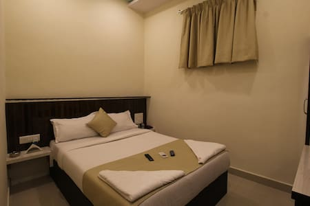 Guest House in Marol Maroshi - Bombay