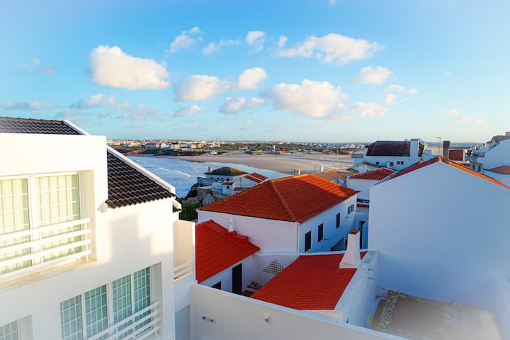 Sea View at Baleal Beach and Surf Apartment
