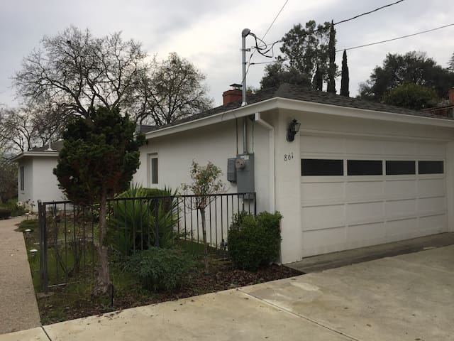 Room n Charming House close to BART - Pleasant Hill - House
