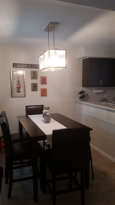 Spacious town home townhouses for rent in mississauga for The perfect kitchen mississauga