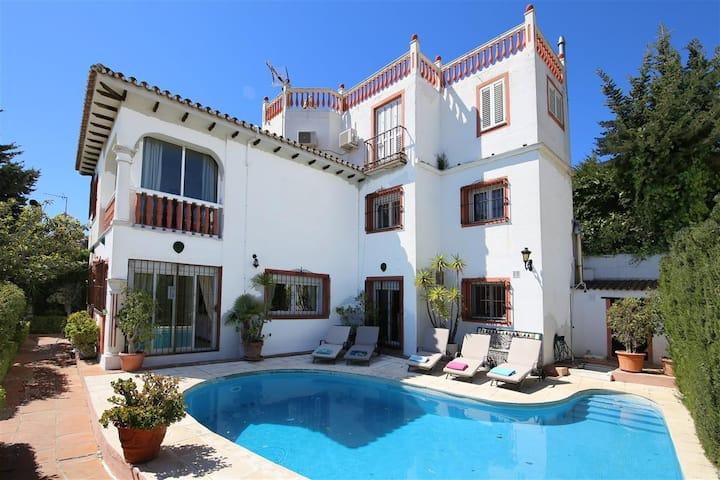 Puerto Banus Large Villa VILLAKOL