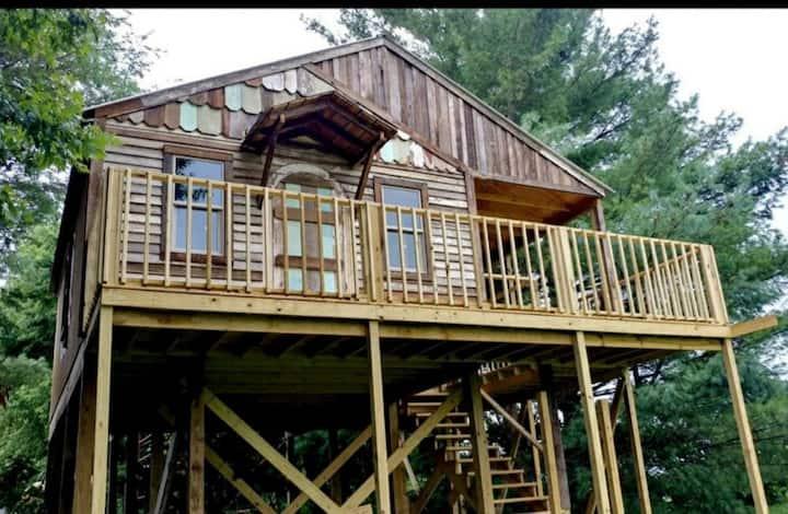 Treehouse - Relaxing    For Couples - Fishermen