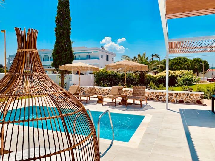 Mythos luxury Villa