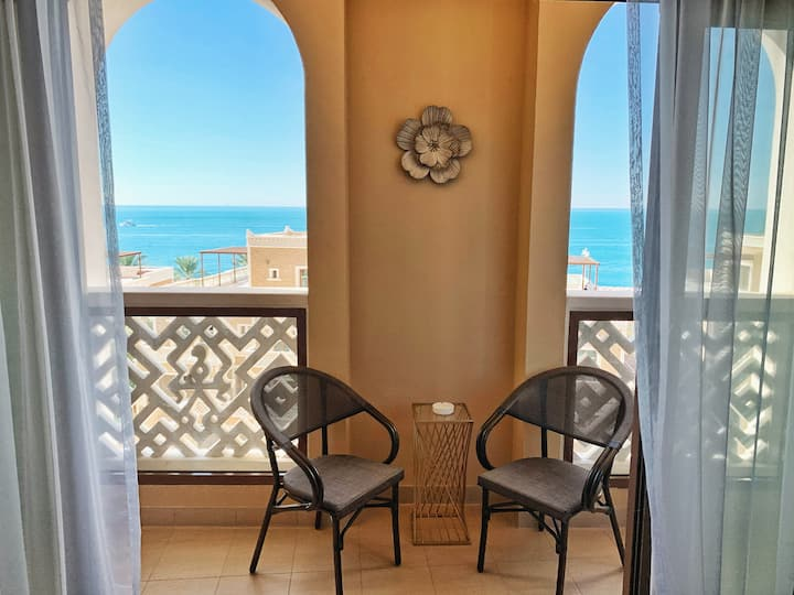 Luxurious 2BR+Maids |Direct Beach Access| The Palm