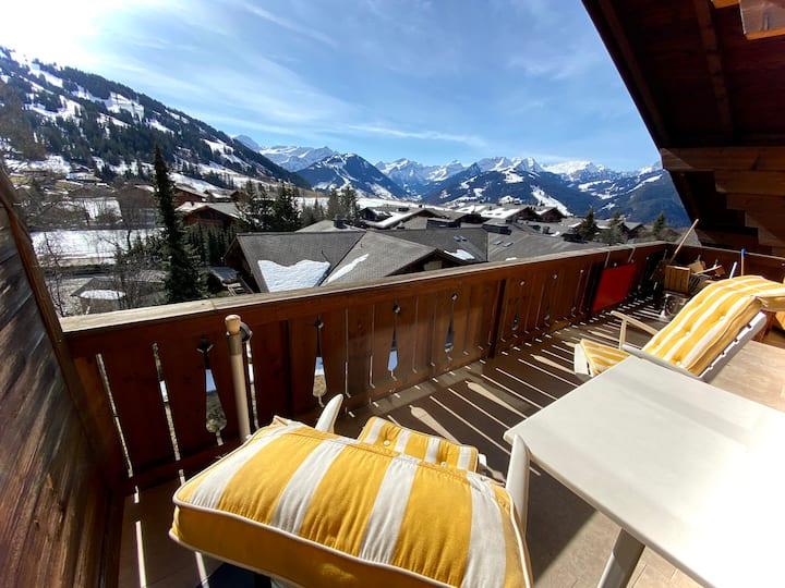 Sonnige 4,5 Zimmer Chaletwohnung mit Alpenpanorama