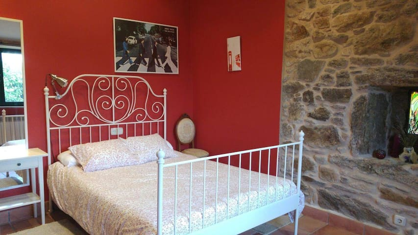 Preciosa casita a menos de 10 minutos de Santiago - Corunha