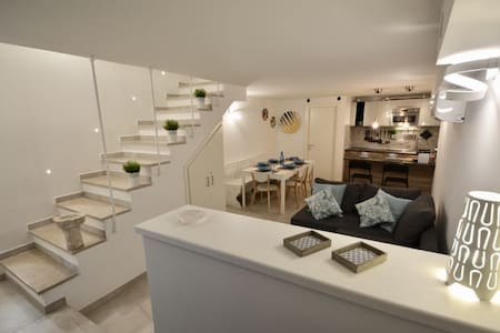 Casa nella Roccia - New and central Apartment