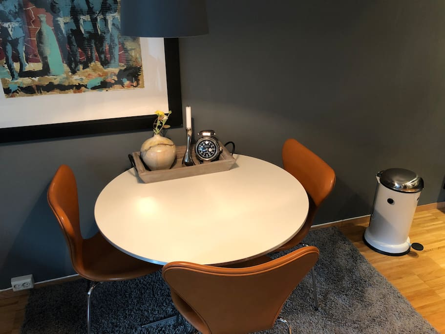 Dining area. Table from Piet Hein. Chairs from Arne Jacobsen.