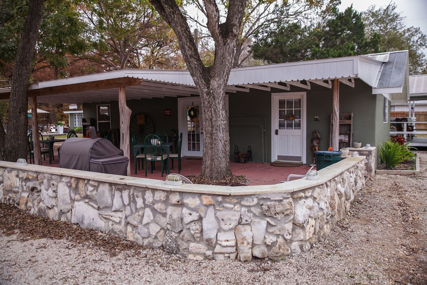 park pin gallery casual texas wimberley model cottages home
