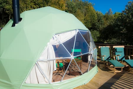 THE MALVERN - Luxury Glamping Dome with Hot tub
