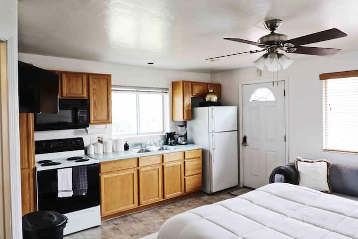 Private Studio Guest House in the Heart of Phoenix