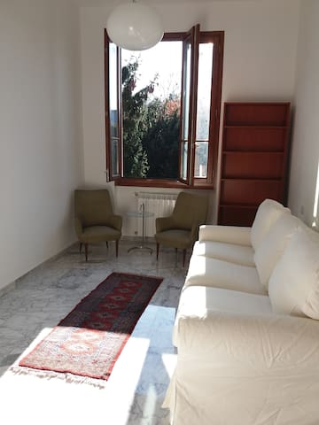 Cozy flat in independent villa - Settimo Milanese - Haus