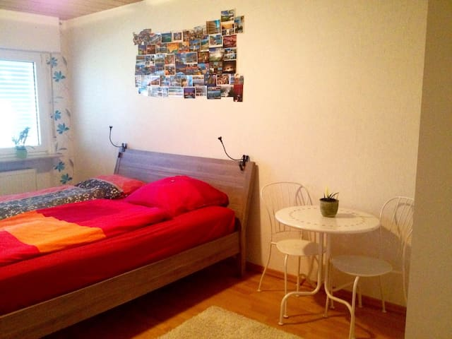 Private & Quiet Room, Double Bed - Hanau - Apartemen