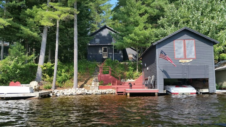 Camp Reminiscing-Picturesque Adirondack Lake House