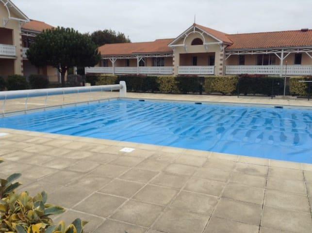 Appartement dans rés. avec piscine - Soulac-sur-Mer - Apartemen