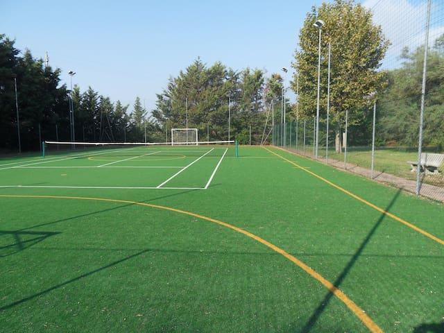 Campo tennis/calcetto
