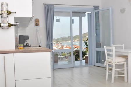 studio-apartment with view to port - Skiathos - Leilighet