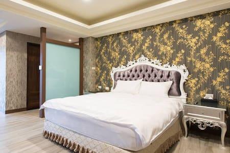 馬德里花園 - Room102 / 雙人房 - Yilan City