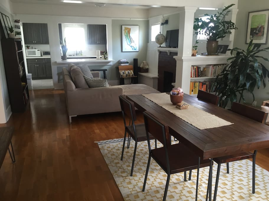 Living room/dining room - all available to use