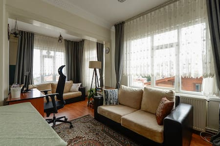 Warm and cozy flat in the city center