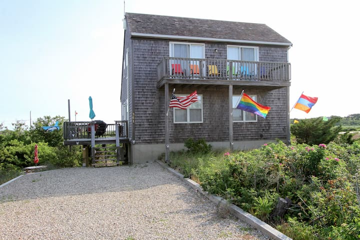 Sunny 3BR w/ Views of Cape Cod Bay