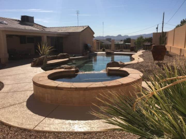 Beautiful Lake Havasu Home with Pool, Swim Up Bar