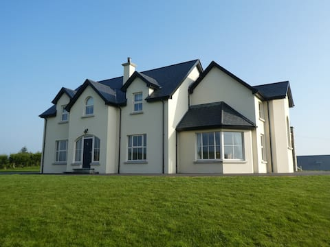 Beech Hill House - 5* Self-Catering in Ballygawley