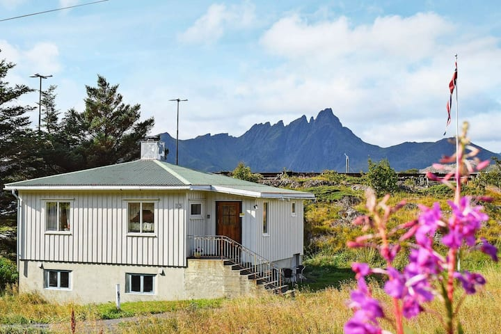 4 person holiday home in LEKNES