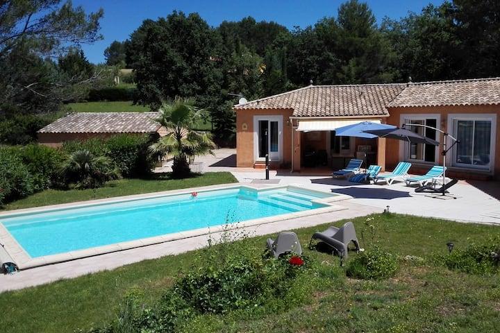 Villa ideal en Villecroze con una piscina privada