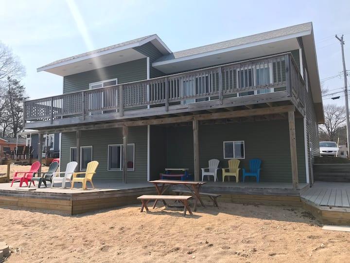 Casa Playa - Lake Huron Lakefront Vacation Rental
