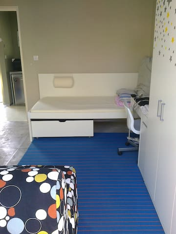 Private Studio close to University of Nicosia - Egkomi - Apartamento