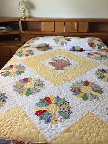 Your bedroom-quilting is my hobby so your bed may have another quilt than this one.