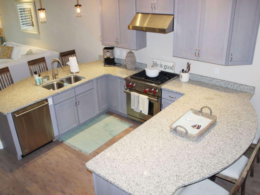 Kitchen - high end appliances