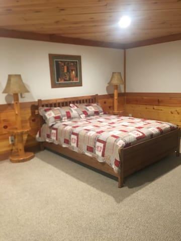 Sleeping area Queen Size Bed