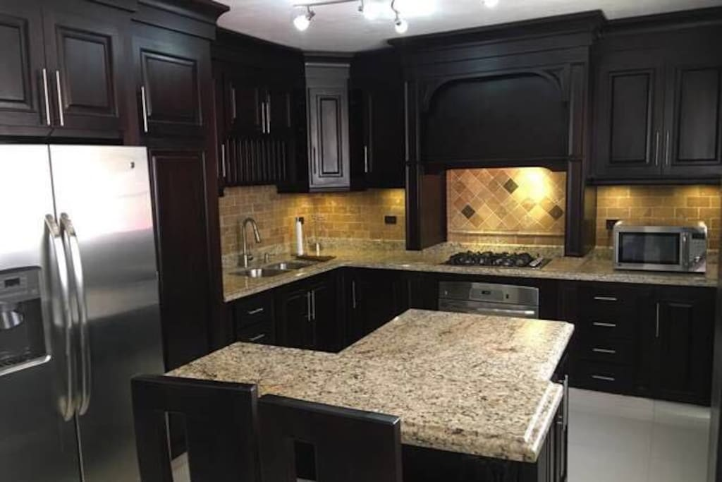 Gourmet Kitchen, Granite Counter Top, Stainless Steal Appliances