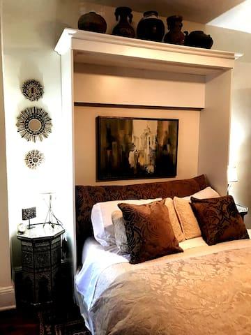 SPECIAL PRICE HillChic Private Bedroom & Bath