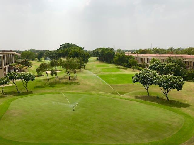 Beautiful Apartment at Tarudhan Valley Golf Resort