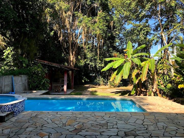 Casa beira mar com piscina, Wi-Fi e churrasqueira