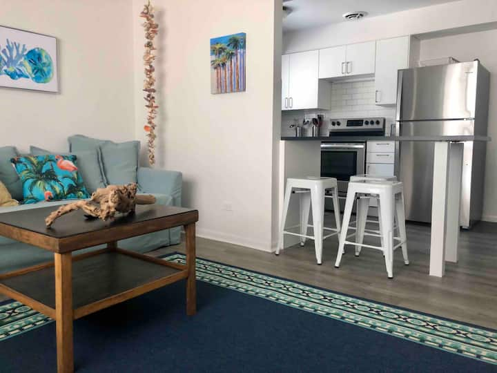 Vacation Vibes-Extended Stay, DW, 1BR, FUN Decor!