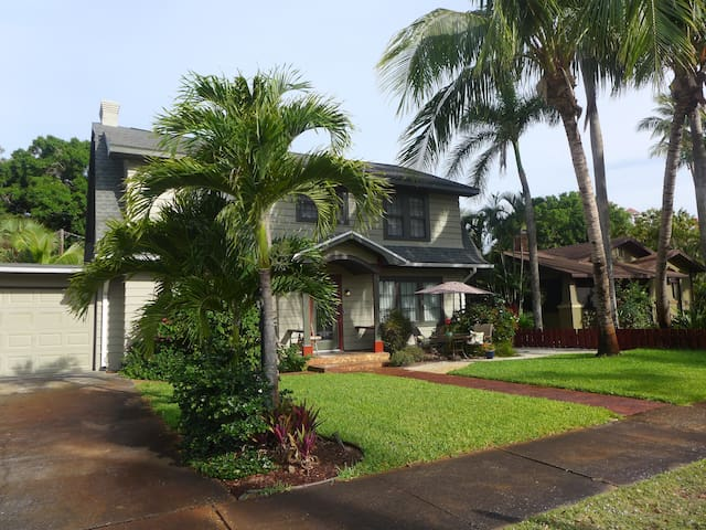 ROYAL PALM~ Book now for April & May!~2BR,2BA