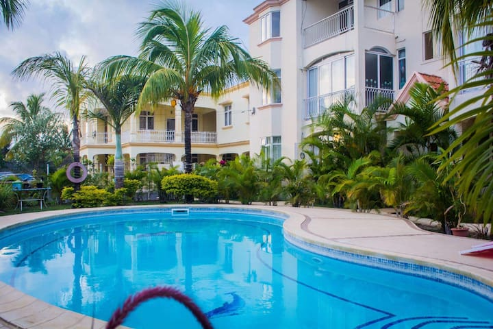 The Blue Dolphin Holiday Apartment - Grand Baie