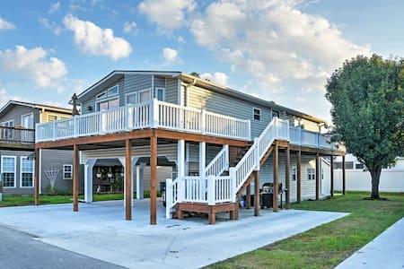 3BR Surfside Beach House w/ Wraparound Deck! - Myrtle Beach
