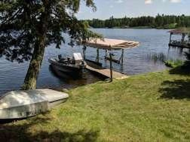 Northwoods Lakefront Cabin