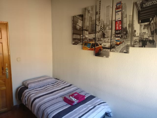 Best location - Bright and cosy room in Sol