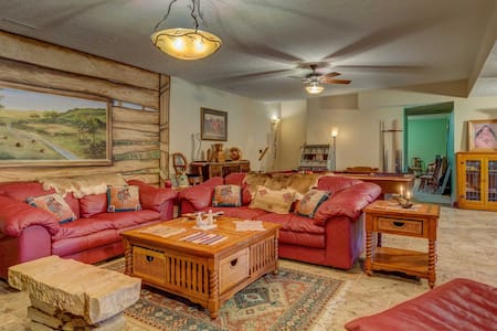 'The Retreat' Lewisburg Home on 130 Acres!