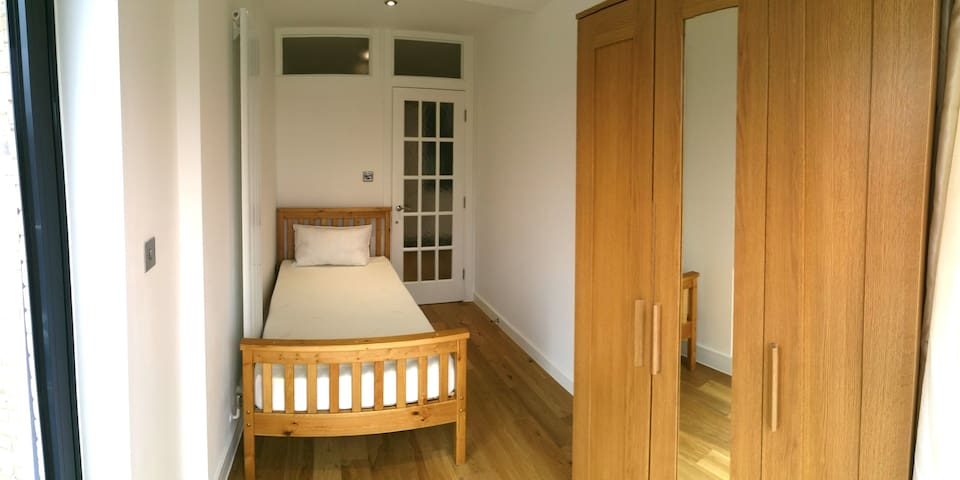Cosy single room in new building 19-2