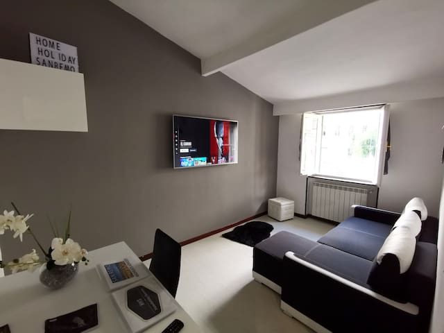 HHS Home holiday Sanremo - CITY CENTRE APARTMENT