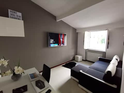 HomeholidaySanremo - CITY CENTRE APARTMENT