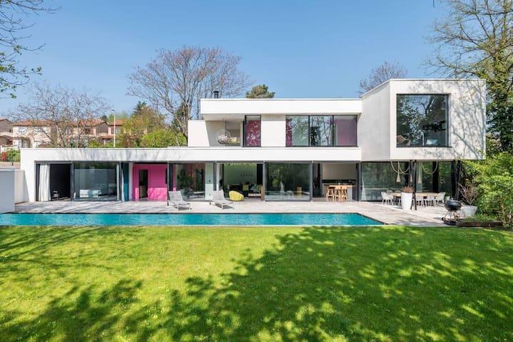 Le Bassin - Maison contemportaine avec jardin et piscine