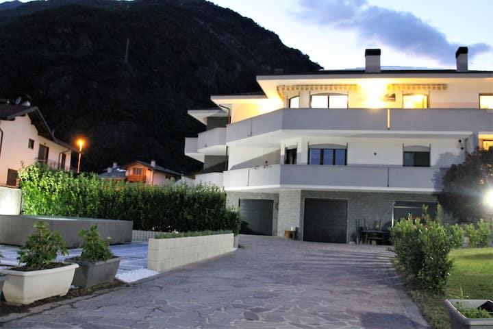 B&B Guest House Valchiavenna - 2+1 Bedroom Apt.